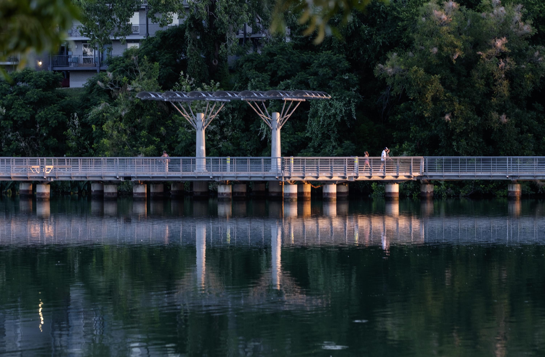 06-17-2019 -- The Boardwalk along Lady Bird Lake. Photo © Alberto Martinez
