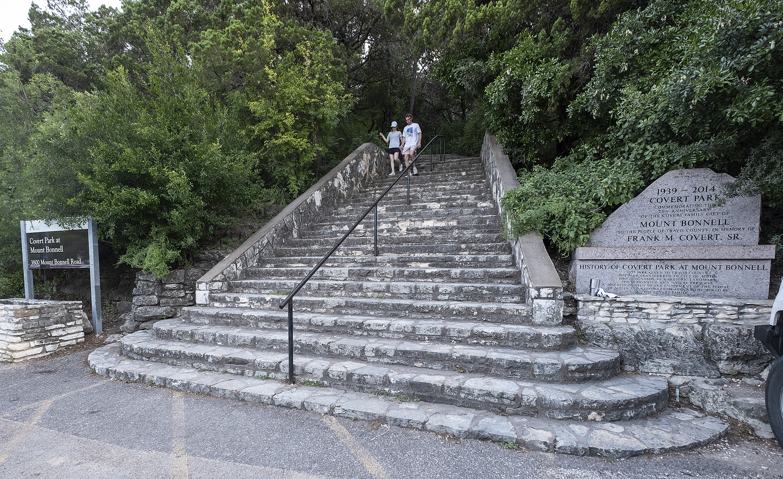 06-17-2019 -- A couple descends the steps at Mount Bonnell. Photo © Alberto Martinez